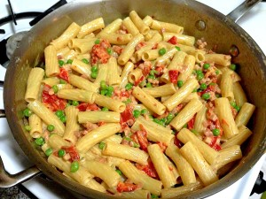 Penne w Pancetta, Peas, Peppers in Cream Sauce